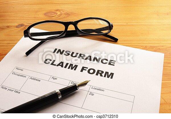 Forma de reclamación de seguros - csp3712310