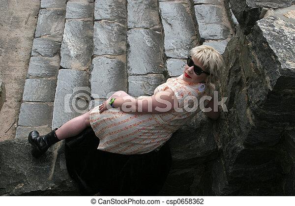 recling, 步驟, 白膚金發碧眼的人 - csp0658362