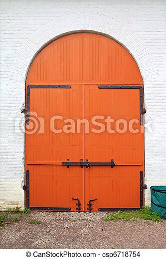 red door - csp6718754