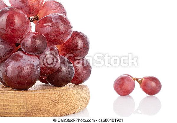 Red globe grape on white - csp80401921