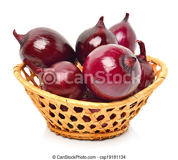 Red onion in the basket - csp19181134