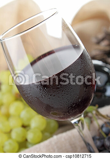 red wine and grapes - csp10812715