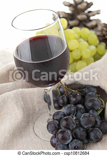 red wine and grapes - csp10812684