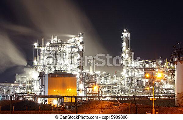Refinería de petróleo - csp15909806