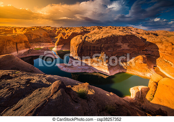 Reflection Canyon Lake Powell Utah - csp38257352