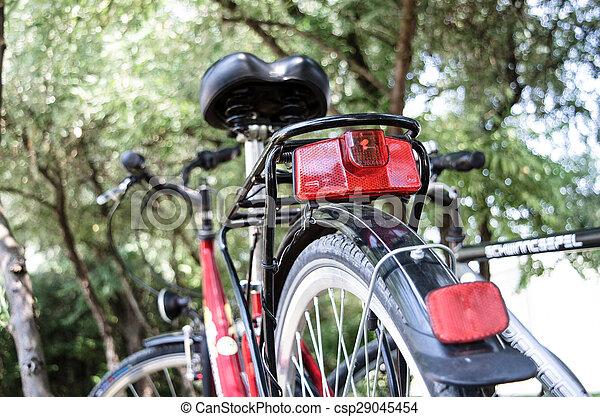 Licht In Fietswiel : Gratis afbeeldingen licht hout straat nacht wijnoogst wiel
