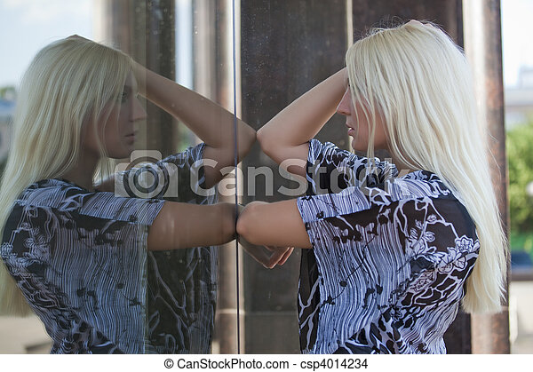 regarder, femme, miroir - csp4014234