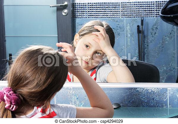 regarder, girl, miroir - csp4294029