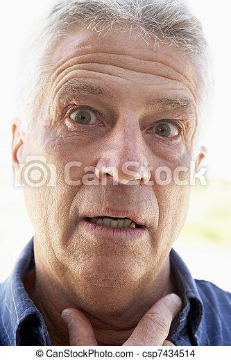 regarder, milieu, portrait, vieilli, surpris, homme - csp7434514