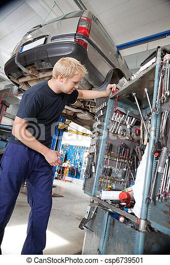 regarder, réparation, outils, mécanicien - csp6739501