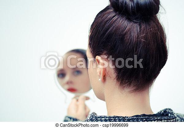 regarder, soi, femme, reflet, miroir - csp19996699
