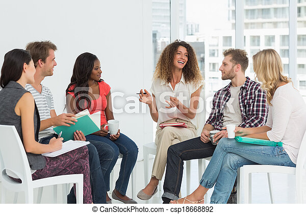rehab, het glimlachen, therapist, groep, het spreken - csp18668892