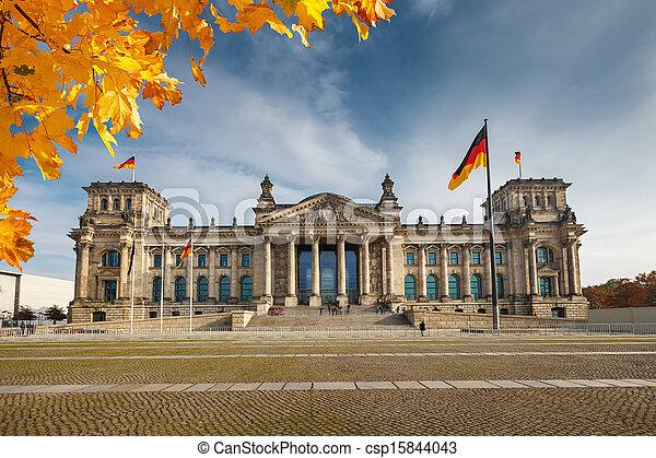 Reichstag in Berlin - csp15844043
