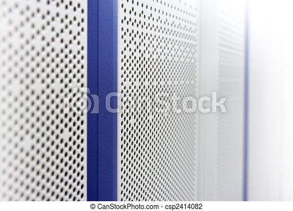 Türen eines Telekommunikations-Falls - csp2414082