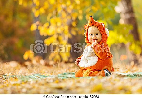 Reizend Junge Park Fuchs Herbst Kostum Angezogene Baby
