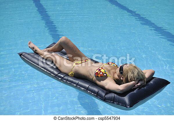 relâcher, piscine, femme, beau - csp5547934