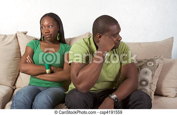 Las relaciones de pareja familiar son difíciles - csp4191559