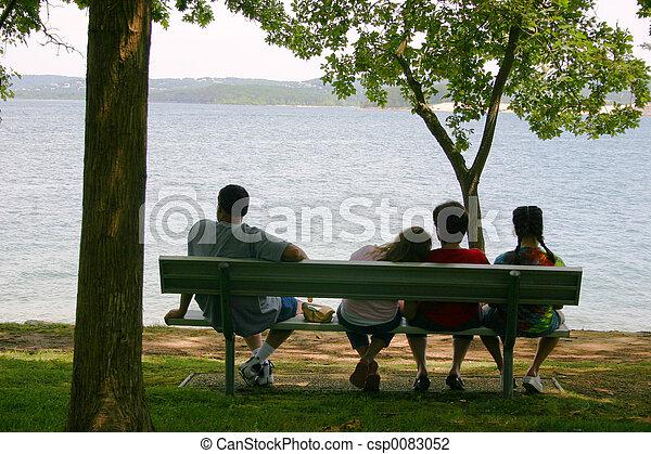 relaxado, família - csp0083052