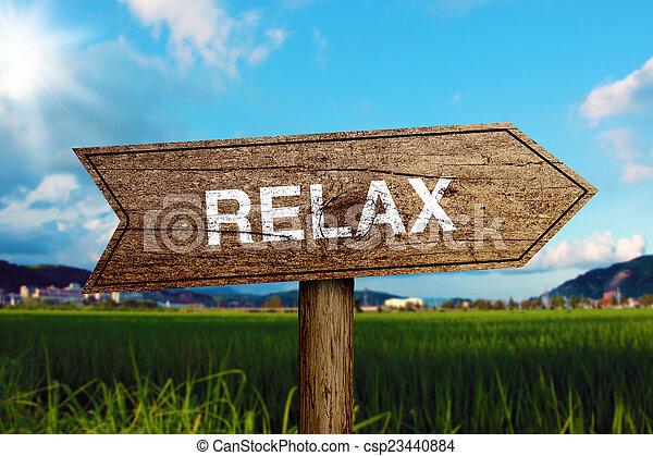 relaxe, sinal estrada - csp23440884