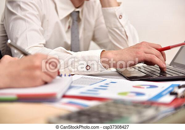 relazione, annuale, businesspeople - csp37308427
