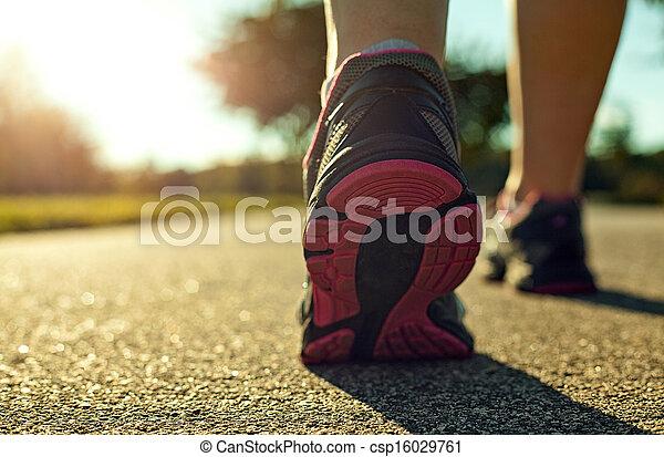 rennende , vrouw - csp16029761