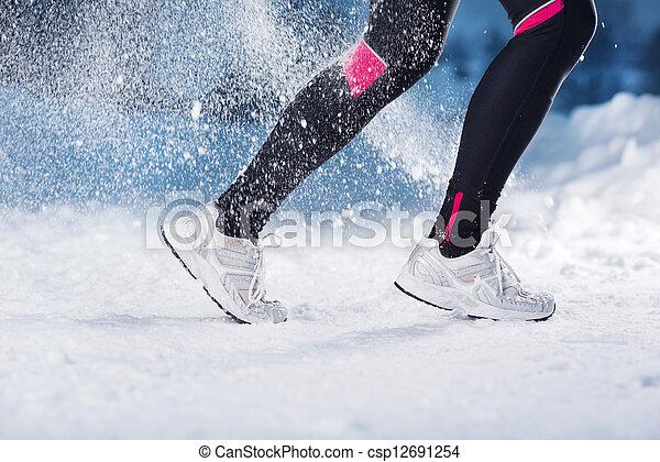rennende , vrouw, winter - csp12691254