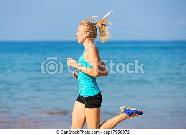 rennender , frau, sandstrand - csp17956872