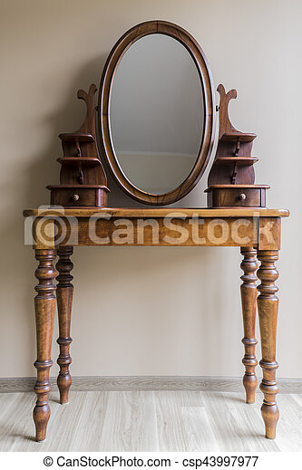 Ordinaire Renovated Vintage Dressing Table   Csp43997977