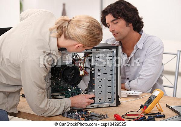 Computer reparieren - csp10429525