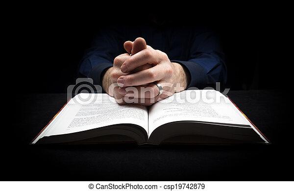 reposer, sien, dieu, mains, bible., prier, homme - csp19742879