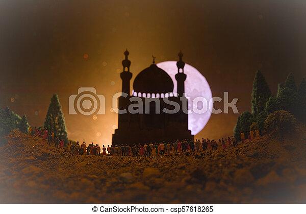 reputacja, gmach, nastrojony, sylwetka, tłum, ludzie, lekki, noc, meczet, ramadan, przeciw, zamazany, wielki, tło., las, belki, mglisty, kareem - csp57618265