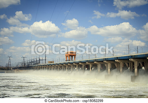 Reset of water at hydroelectric power station on the river - csp18082299