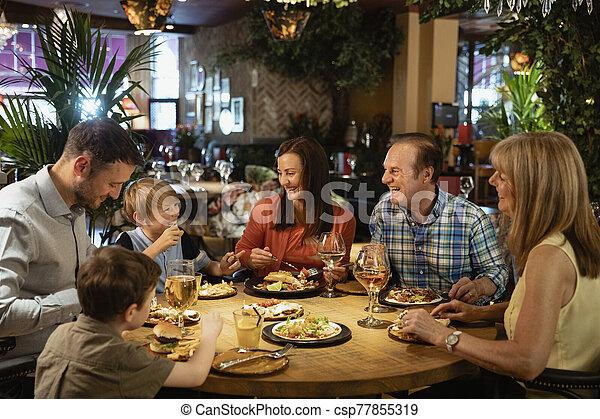 restaurang, ett slags tvåsittssoffa, äta - csp77855319