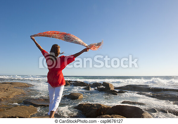 Océano Activo de mujer de retiro - csp9676127