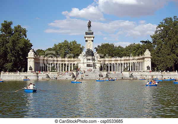 Retiro's Park Lake, Madrid - csp0533685