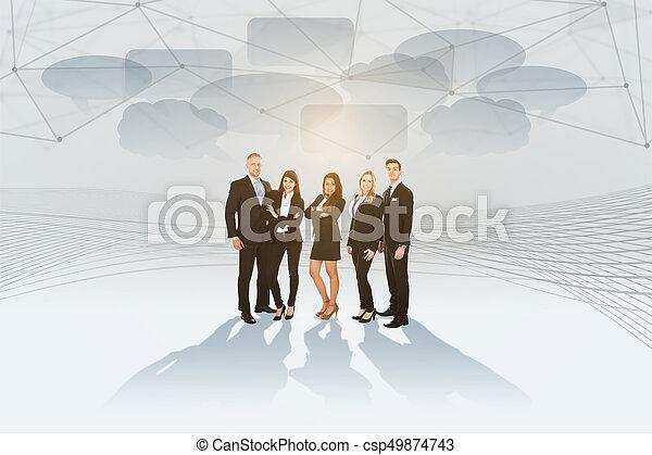 Retrato de empresarios bien vestidos - csp49874743