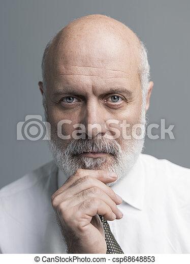 Retrato de hombre maduro - csp68648853