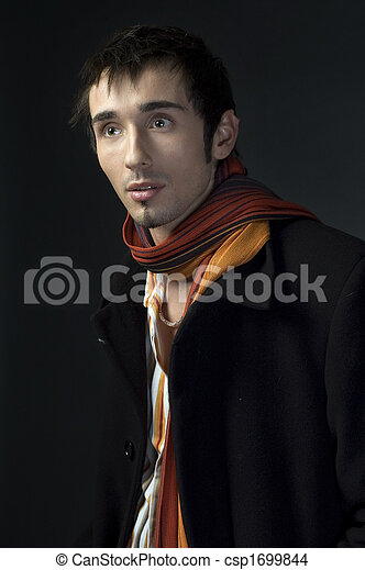 Retrato de un joven hombre de negocios - csp1699844