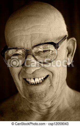 Retrato de un anciano. - csp12059043