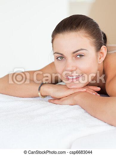 retrato, mentindo, tabela, massagem, mulher - csp6683044