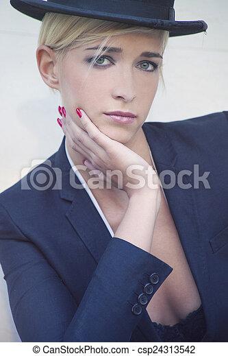 retrato, moda - csp24313542