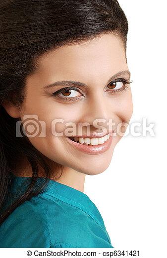 Retrato sonriendo a una mujer hispana - csp6341421