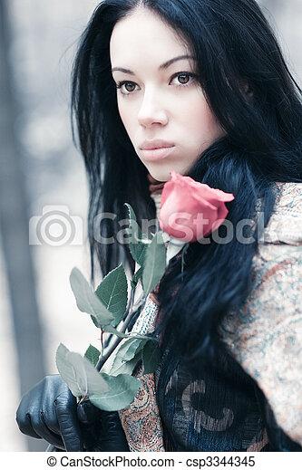 retrato, mulher, morena, jovem - csp3344345