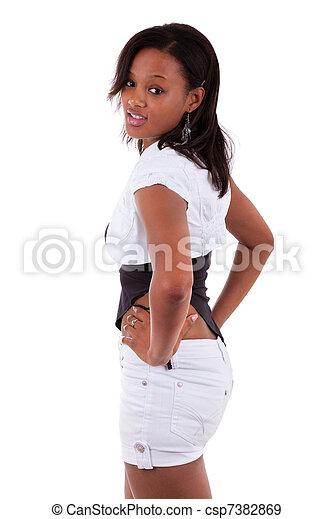 Retrato de una joven y hermosa mujer americana africana - csp7382869