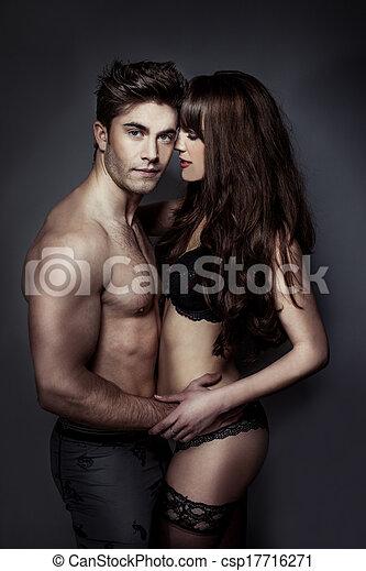 Retrato erótico de una pareja sexy - csp17716271