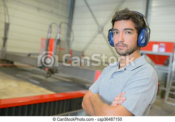 Retrato de trabajadores industriales - csp36487150