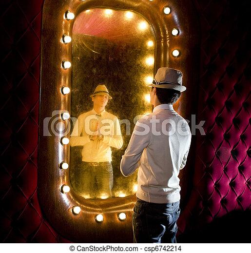 retro, homem, olha, espelho - csp6742214