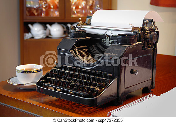 retro, skrivmaskin - csp47372355
