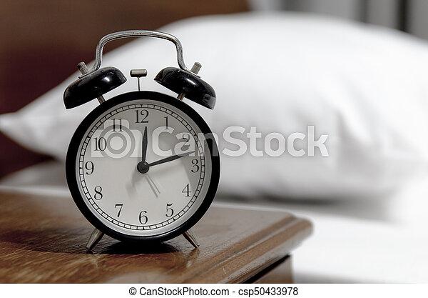 Retro style alarm clock - csp50433978