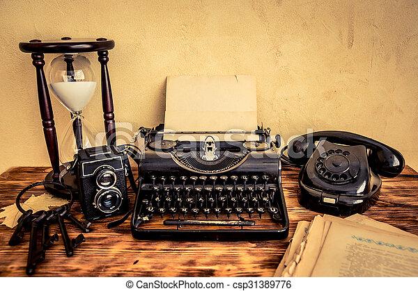 Retro typewriter - csp31389776